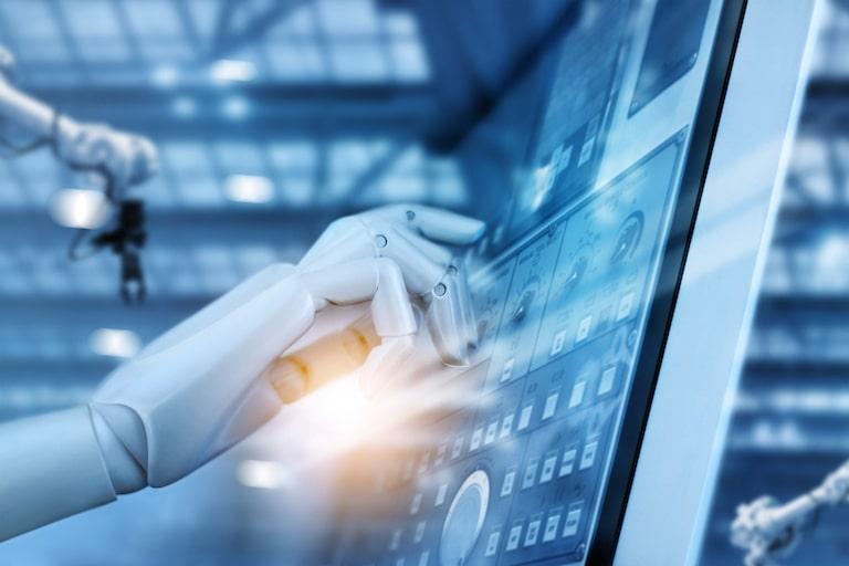 RPAお役立ち情報「RPAツールで業務はどう変わる?ロボットによる自動化の仕組みと導入事例」